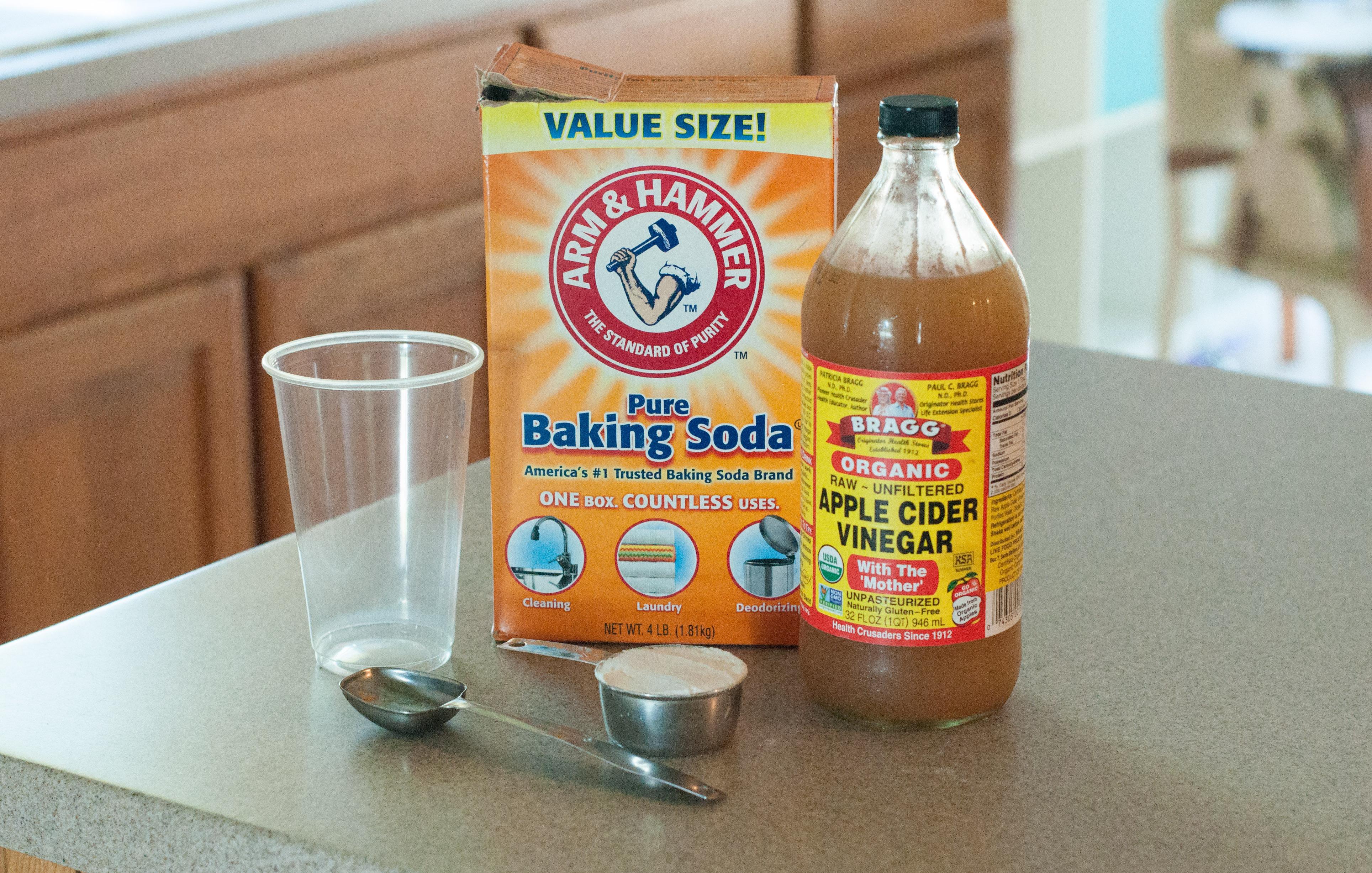 Recipe: Natural Hair Care Baking Soda + Apple Cider Vinegar